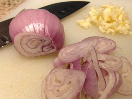 Sliced Shallot